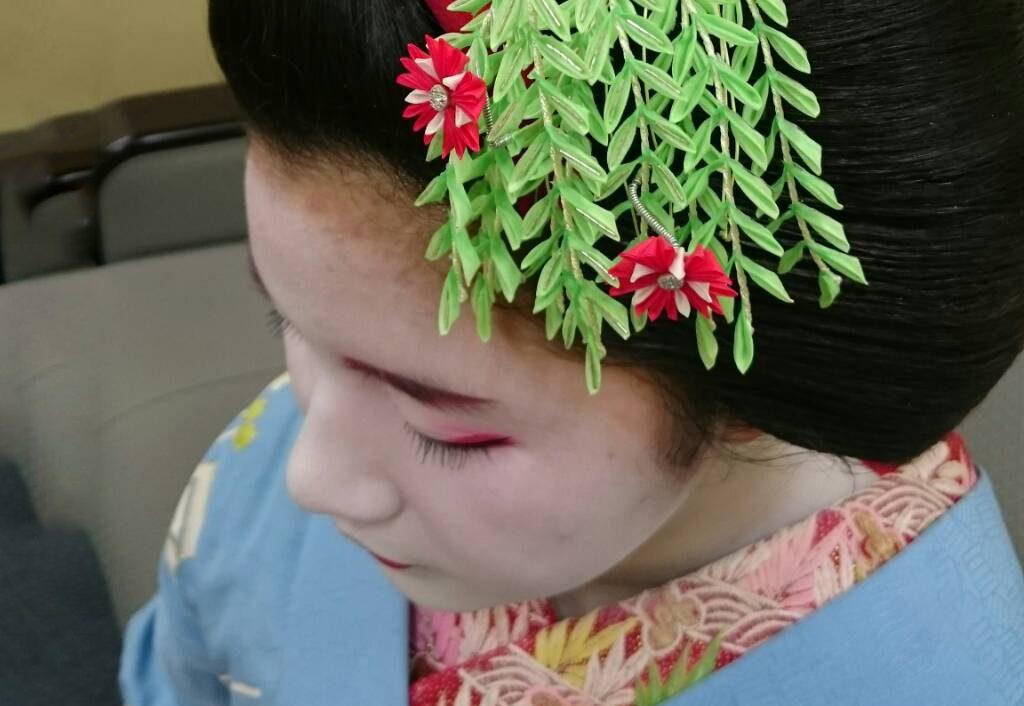 舞妓ちゃんの花かんざし